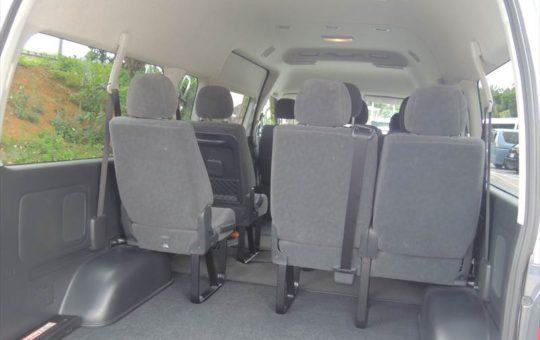 10名乗りハイエースのレンタカーは荷物もたくさん積み込みできます。